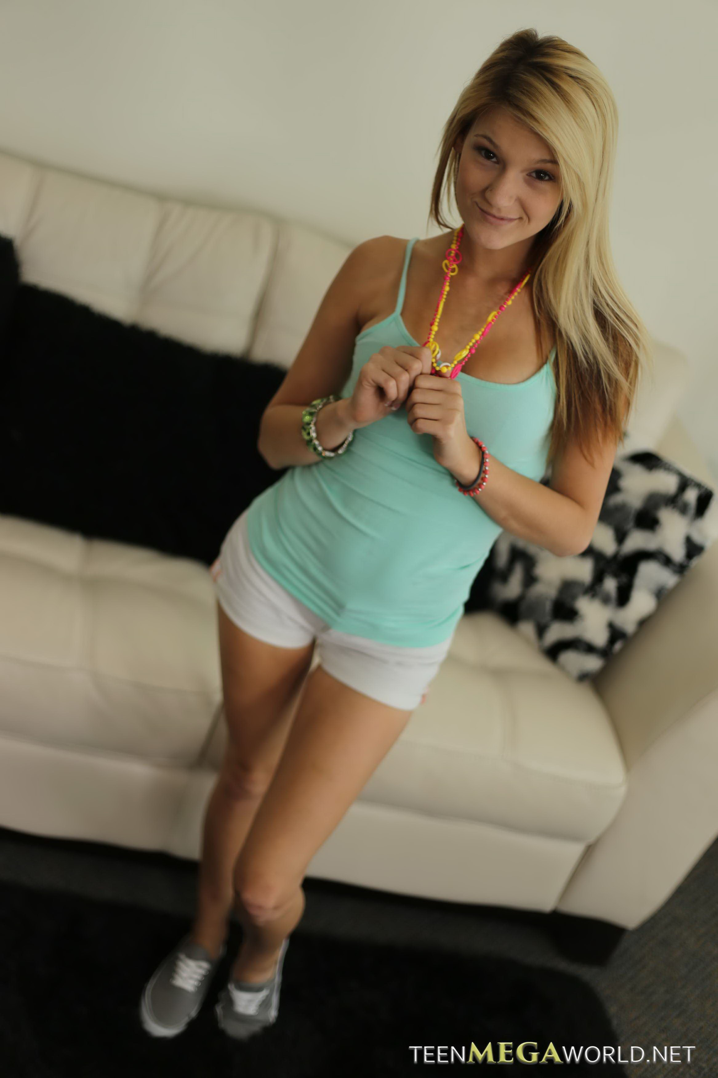 free-video-of-teen-striping